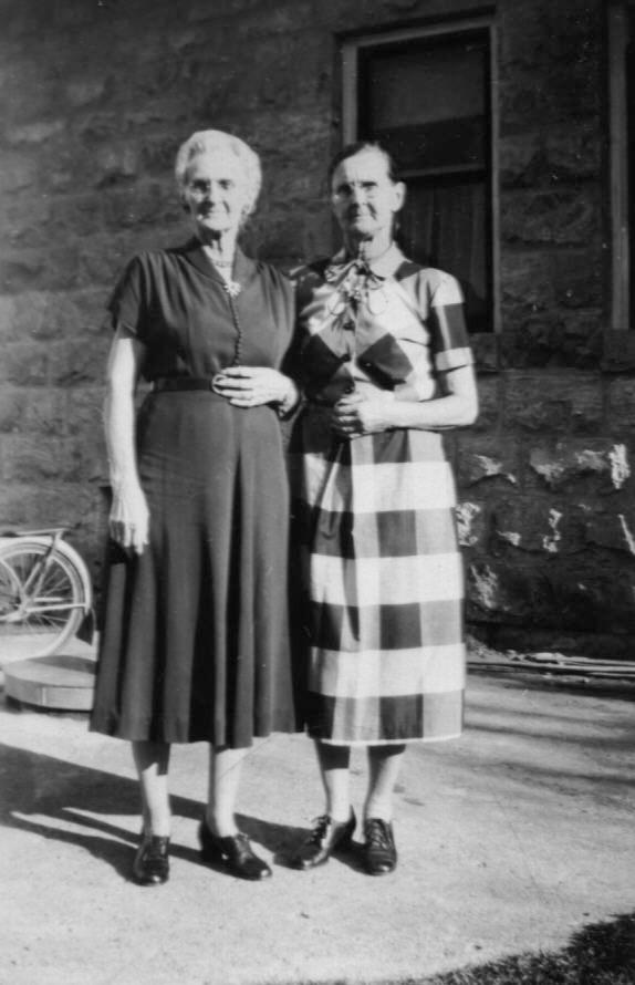 Bettie Brewer Noyes and Jessie Brewer Jones